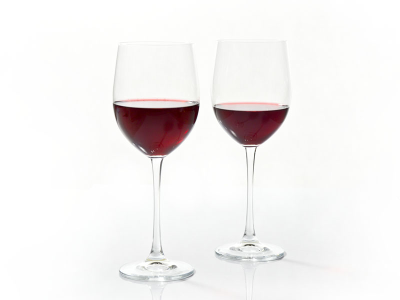 vintage-red-wine-glasses